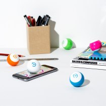 Sphero Mini, Firebox, €56.89 http://bit.ly/2kjSxfs