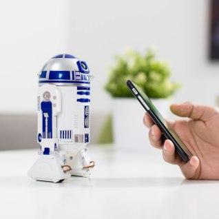 Sphero R2-D2, Firebox, €147.19 http://bit.ly/2B5v2kO