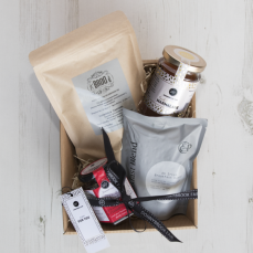 The Mini Breakfast Hamper, Donnybrook Fair, €30 http://bit.ly/2yfHUzd