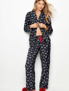 Victoria's Secret Flannel PJ Set, €58.80 http://bit.ly/2iwdOlJ