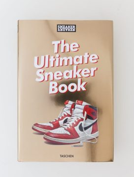 Hen's Teeth The Ultimate Sneaker Book, €40 http://bit.ly/2Bp7up1