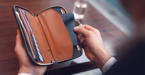 Bellroy Carry Out Black Wallet, €180 http://bit.ly/2L9UUP2