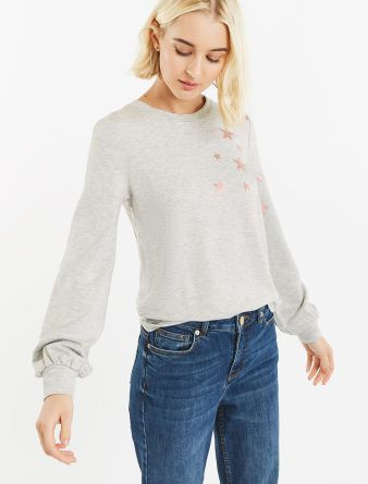 Oasis Star Placement Sweater, €40 http://bit.ly/2PeyMTP