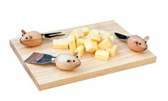 Designist Cheese Board and Mouse Knives, €30 http://bit.ly/35tb270