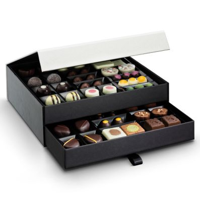 Hotel Chocolat The Classic Chocolate Cabinet €58 http://bit.ly/34bYQY9