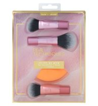 Real Techniques On The Go Glow Brush Set, €31.49 http://bit.ly/2rwSO5K