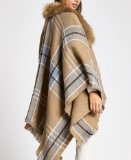 River Island Brown Check Fur Trim Cape, €45 http://bit.ly/2DiuZ4A