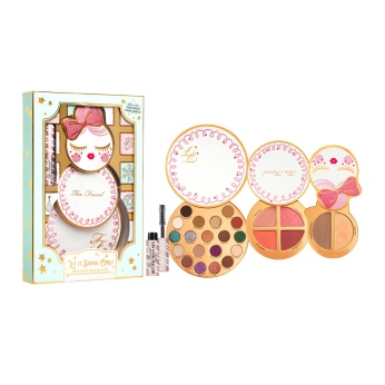 Too Faced Limited Edition Let It Snow, Girl! Travel Size Makeup Gift Set, €45
