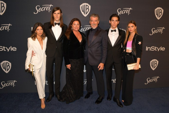 Avery Wheless, Dylan Brosnan, Keely Brosnan, Pierce Brosnan, Paris Brosnan and Alex Lee Aillón
