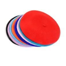 Beret, €18 (variety of colours) https://bit.ly/2zDz4BT