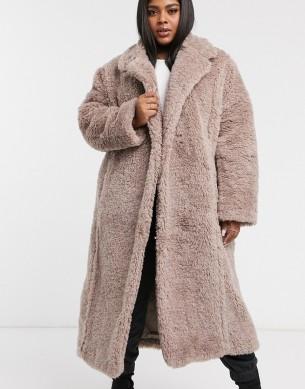 ASOS DESIGN Curve Faux Fur Hero Longline Maxi Coat, €117.99 https://bit.ly/2QNA4IO