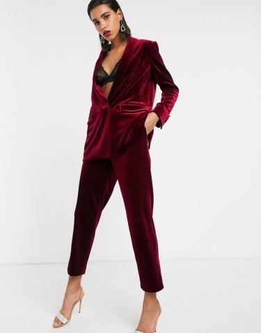 ASOS EDITION Tailored Velvet Suit, from €64.63 https://bit.ly/32SHNLk