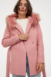 H&M Hooded Jacket, €59.99 https://bit.ly/3bkYQcF