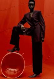 Zara Dark Tailored Suit, from €49.95 https://go.zara/2QPY4uL