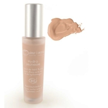 Couleur Caramel Hydra Jeunesse Foundation, €34.50 https://bit.ly/2TwjwpZ