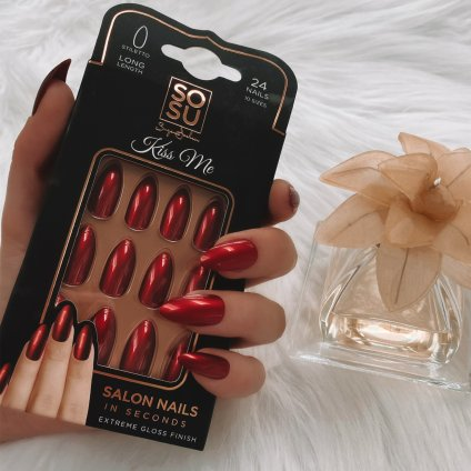 SOSU by Suzanne Jackson Kiss Me False Nails, €9.95 https://bit.ly/35Owwgo