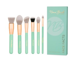 Nima Brush Face Facts Contour Set, €65 https://bit.ly/3ewXe1g