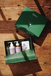 The Burren Perfumery Ilaun Gift Set, €89 https://bit.ly/32difsA
