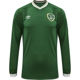 Elvery's Umbro Ireland FAI 2021 Home Long Sleeve Green Jersey, €80 (Pre-order only) https://bit.ly/3kXJBKS